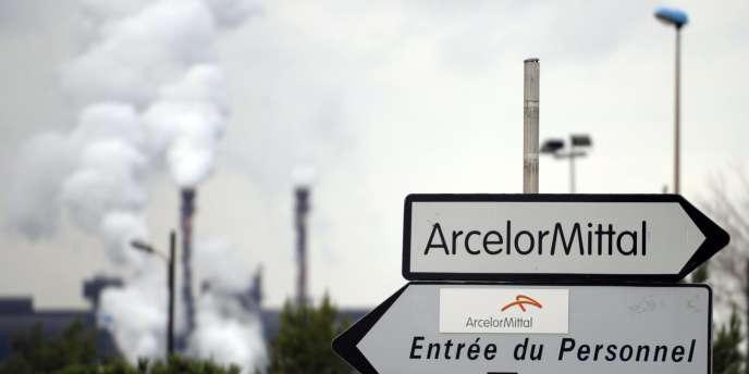 La direction du groupe métallurgique ArcelorMittal a annoncé mardi la prolongation de l'arrêt de deux installations importantes de son usine de Schifflange.