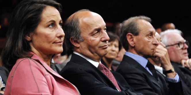 Ségolène Royal, Laurent Fabius et Bertrand Delanoë, à une réunion du Parti socialiste, le 29 mai 2007, trois semaines après la défaite contre Nicolas Sarkozy.