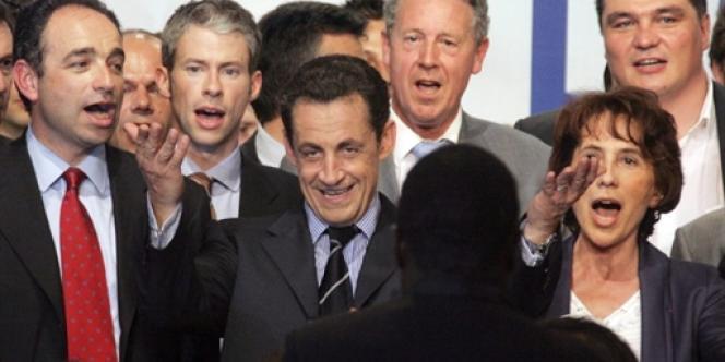 Au cours d'un meeting de campagne du candidat Sarkozy à la présidentielle, à Meaux, en 2007.
