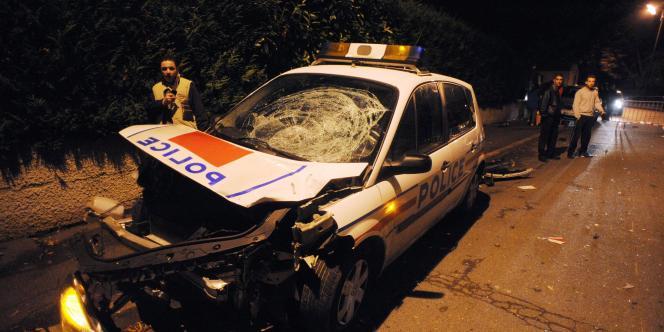 Le 25 novembre 2007, la collision entre une voiture de police et une moto avait causé la mort de deux jeunes.