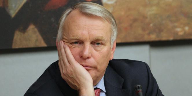 Selon le quotidien Sud Ouest, l'ensemble des cabinets ministériels comptent actuellement 571 conseillers, contre 525 en août 2012, soit une hausse de
