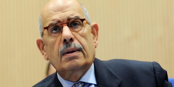 Mohamed El-Baradei est l'ancien directeur de l'Agence internationale de l'énergie atomique (AIEA), avec laquelle il reçut le prix Nobel de la paix en 2005.