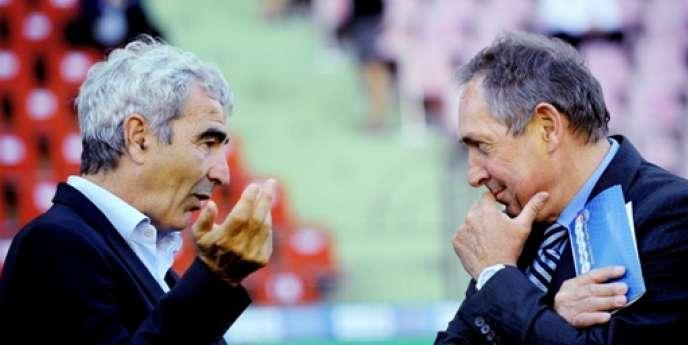 Raymond Domenech et Gérard Houllier, le 2 juin 2009 à St-Etienne.