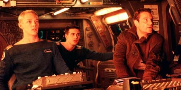 Durant les années 1990, la licence Wing Commander a été déclinée sous toutes les formes possibles, dont une série télévisée.  Son