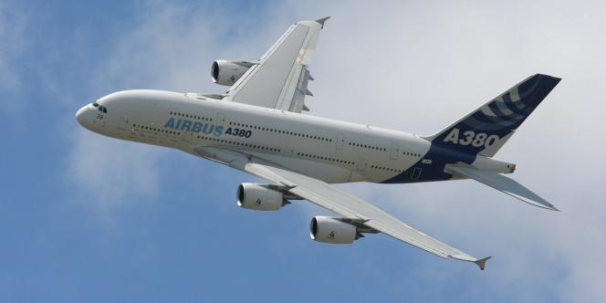 Un Airbus A380 au Salon du Bourget 2009.