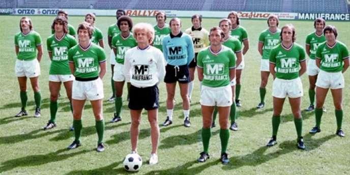 Les Verts de la grande époque posent à Geoffroy-Guichard, en août 1976.