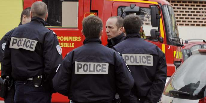 Une équipe de policiers à Marseille.