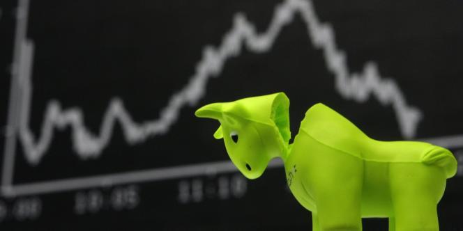 Près de la moitié des entreprises de l'indice ont procédé à des opérations de réduction de coûts ou des cessions en 2012.