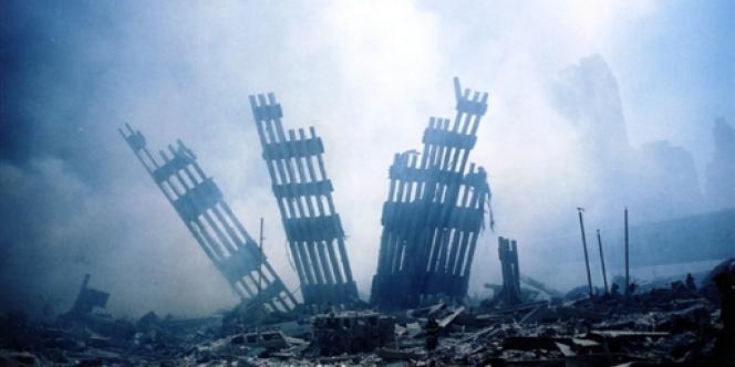 Les ruines du World Trade Center après les attentats du 11 septembre 2001 à New York.