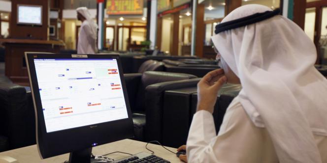 A la Bourse de Dubaï.