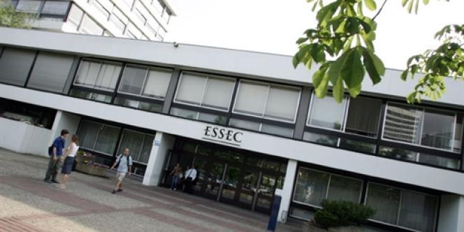 L'Essec permet, via l'apprentissage, à de nombreux élèves peu fortunés de suivre ses enseignements.