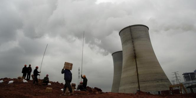 Vue d'une usine implantée à Yingtan qui pollue la région de Jiangxi, en Chine.