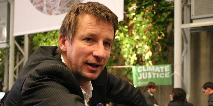 L'eurodéputé EELV Yannick Jadot demande l'abandon du projet de Notre-Dame-des-Landes, après la remise de trois rapports au gouvernement.