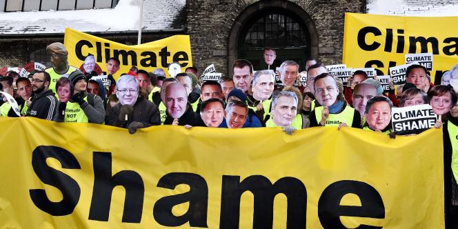 Un des pires scénarios possibles de négociation s'est déroulé à Copenhague, où le sommet sur le climat s'est achevé dans la confusion.