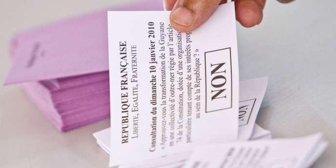 Le 10 janvier 2010, les Martiniquais et les Guyanais ont très largement refusé l'autonomie accrue qui leur était proposée.