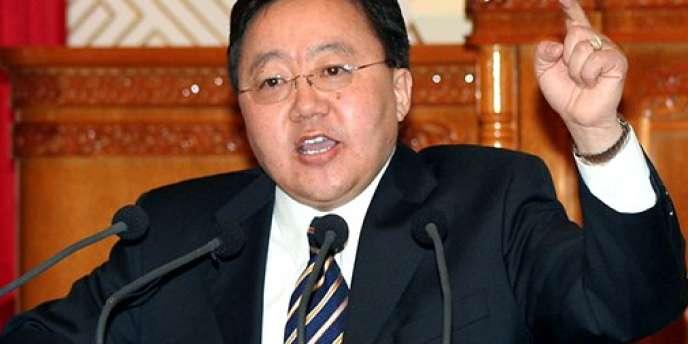 Tsakhia Elbegdorj (ici en janvier 2006) devrait poursuivre pendant quatre ans sa politique libérale d'ouverture aux capitaux étrangers.