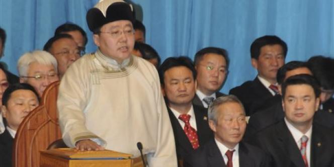 Le président mongol Tsakhia Elbegdorj a annoncé le 14 janvier 2010 devant le Parlement que plus aucun condamné à mort ne serait exécuté sous sa présidence.