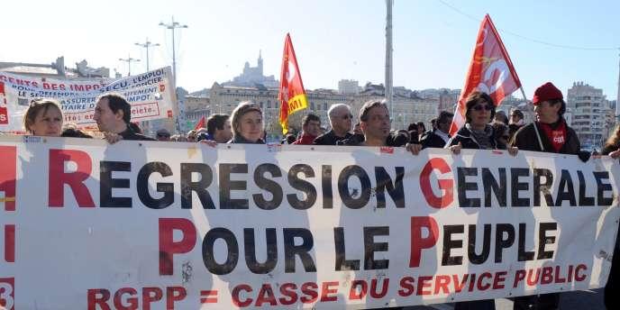 Manifestation contre la politique de Révision générale des politiques publiques (RGPP), en janvier 2010 à Marseille.