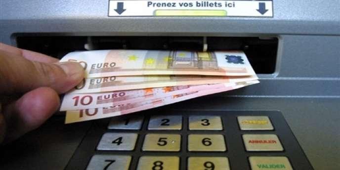 Sur les petits montants, les banques ont parfois tendance à inciter leurs clients à souscrire un crédit renouvelable, bien plus onéreux, appelé revolving. Le tout à des taux faramineux.