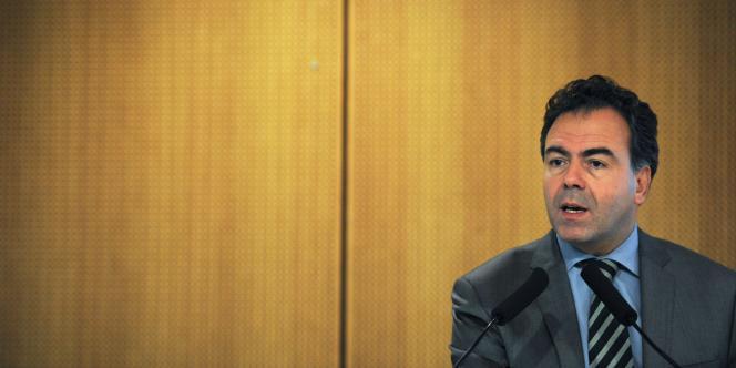 Luc Chatel, en février devant les responsables des équipes mobiles de sécurité réunis dans un collège d'Issy-les-Moulineaux.