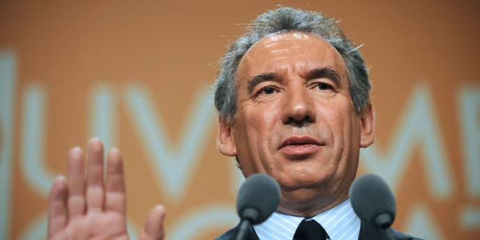 Le président du Mouvement démocrate (MoDem), François Bayrou, le 24 janvier 2010 à Paris.