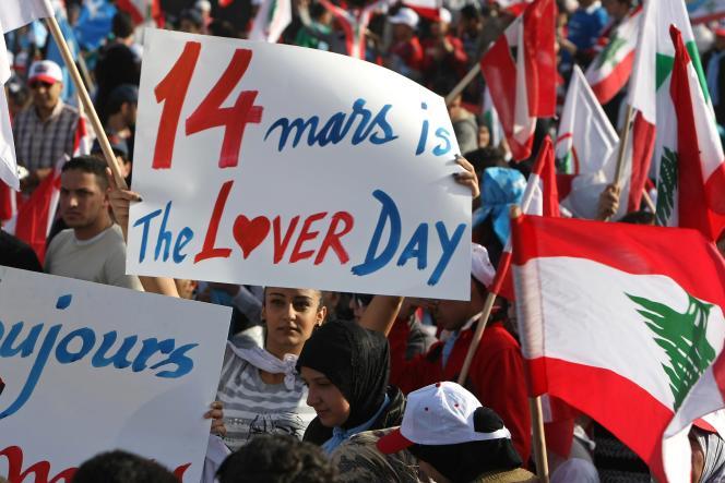 Le 14 mars 2010, à Beyrouth, lors d'un rassemblement de dizaines de milliers de partisans de la majorité gouvernementale, soutenue par l'Occident, pour commémorer l'assassinat, le 14 février 2005, de l'ex-premier ministre Rafic Hariri.