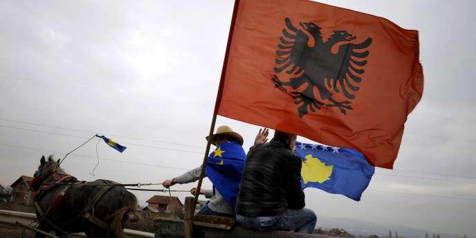 Le Kosovo fêtait le 17 février 2010 le deuxième anniversaire de son indépendance, alors que la Serbie contestait ce statut devant la Cour internationale de justice.