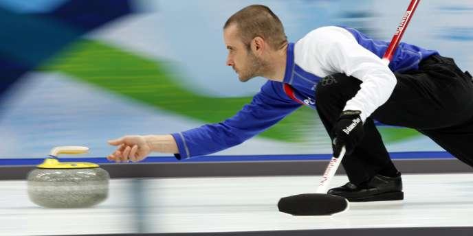 Jan Henri Ducroz, membre de l'équipe de France de curling, en 2010.