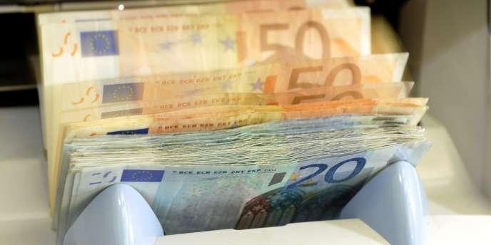 La crise a mis un coup d'arrêt à la réduction des inégalités salariales en France, entraînant un écart grandissant entre les salaires les plus bas et les salaires intermédiaires.