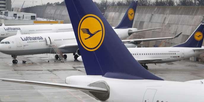 Lufthansa confirme une commande de 34 Boeing et 25 Airbus.