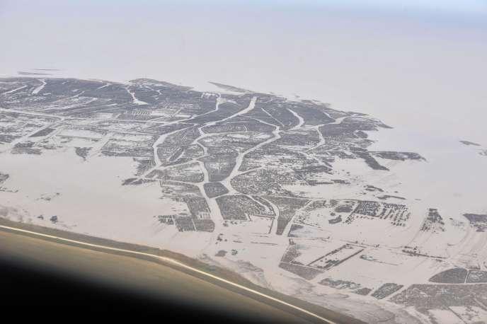 Vue aérienne de la côte entre La Rochelle et L'Aiguillon-sur-Mer, après le passage de la tempête Xynthia.