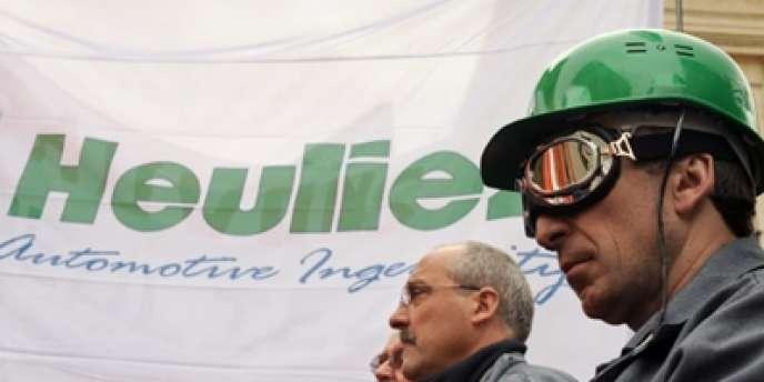 Trois ans après une première relance, Heuliez, l'entreprise automobile des Deux-Sèvres, manque d'argent.