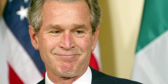 George W. Bush au cours d'une cérémonie, en 2003, à la Maison Blanche.