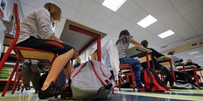 Aujourd'hui le système éducatif français ne parvient plus à faire réussir les enfants les plus fragiles, coûte cher et ne fonctionne que grâce à une débauche d'énergie des équipes pédagogiques.