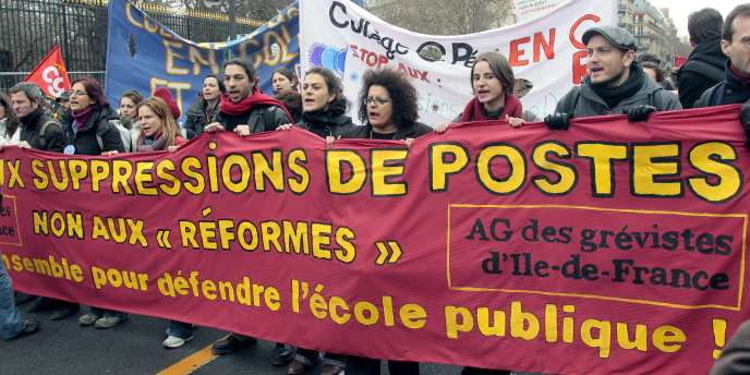 Manifestation à Paris d'enseignants et lycéens d'Ile-de-France, le 18 février 2010.