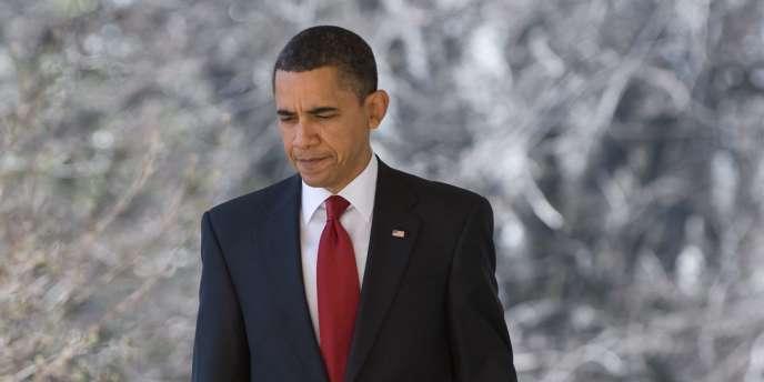 Barack Obama a reporté une deuxième fois son voyage en Asie pour être présent à Washington au moment du vote de la Chambre des représentants sur la réforme de la santé.