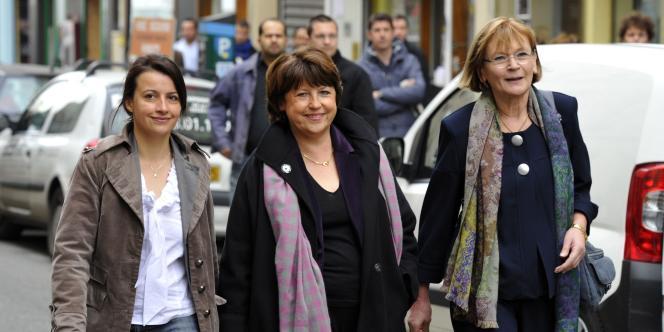 Cécile Duflot, Martine Aubry et Marie-George Buffet se rendent ensemble à un point-presse, le 18 mars.