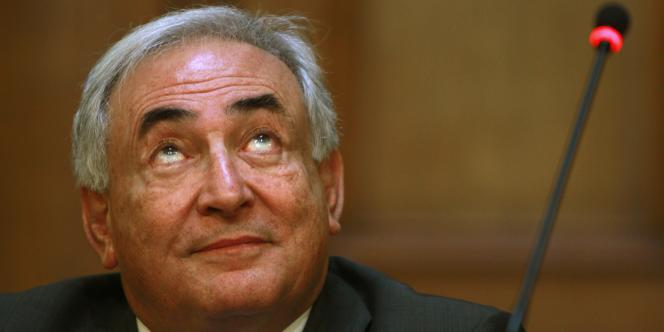 Dominique Strauss-Kahn , le 30 mars 2010, à Bucarest.