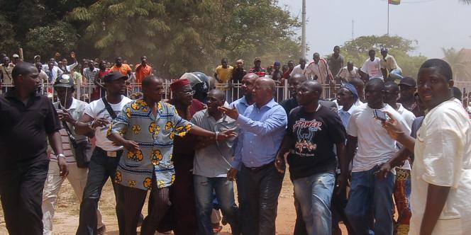 Le premier ministre de Guinée-Bissau après sa libération jeudi 1er avril.