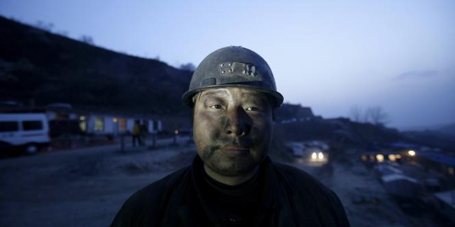 L'an dernier, 1 049 salariés chinois des mines ont trouvé la mort lors de 589 accidents, selon des statistiques officielles souvent jugées incomplètes.
