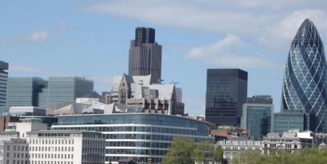 La City recrute largement chez les immigrés. Au Royaume Uni, 20 % des minorités ethniques travaillent dans la finance, contre 15 % pour les Britanniques d'origine.
