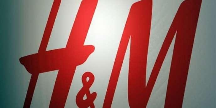 Logo du géant de la mode suédois H & M.