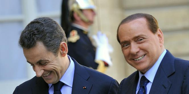 Nicolas Sarkozy et Silvio Berlusconi à l'Elysée, le 9 avril 2010.
