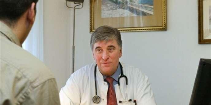 Le nombre de praticiens devrait baisser de 10 % entre 2006 et 2019, selon le député Philippe Viguier.