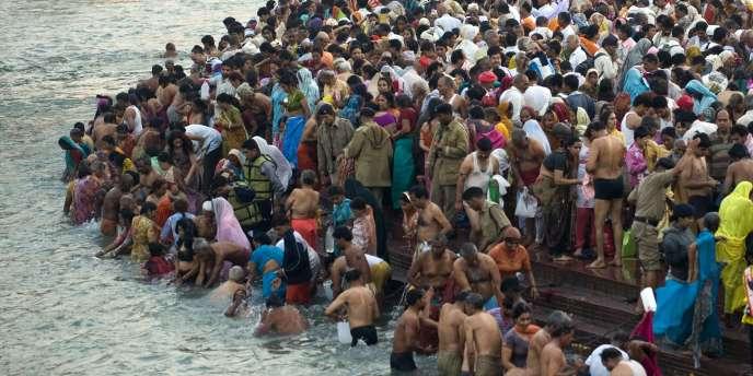 Manifestation aux abords du Gange, le 14 janvier.