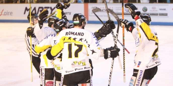 Rouen affrontera Strasbourg en finale de la Ligue Magnus de hockey sur glace.