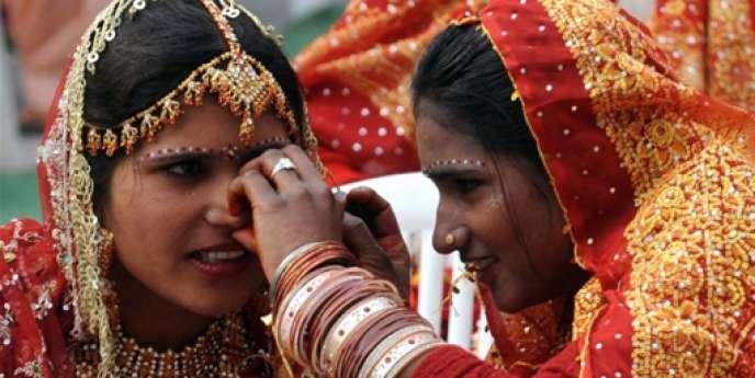 Selon un rapport de 2010 des Nations unies, 100 millions de femmes sont portées