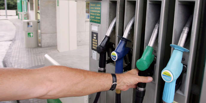 Christine Lagarde envisage des sanctions pour les acteurs du secteur pétrolier, accusés de gonfler les prix. Des mesures très difficiles à mettre en œuvre.