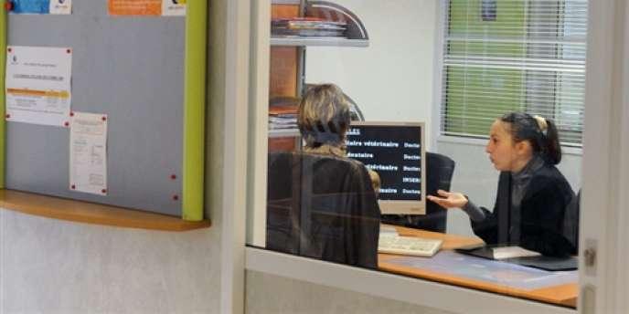 Un entretien dans une agence Pôle emploi, à Toulouse.