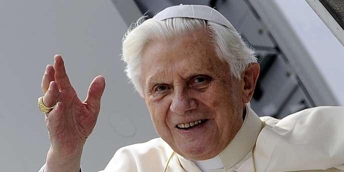 Le pape incite les parents chrétiens à renoncer aux prénoms à la mode.